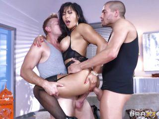 Частное групповое порно видео