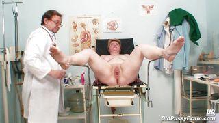 Порно девушка на приеме у врача