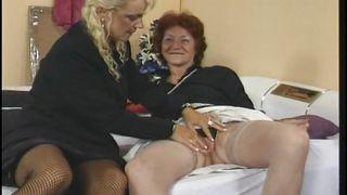 порно зрелых на даче