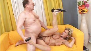 бабушки беременные секс